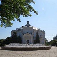 Здание панорамы обороны Севастополя :: Вера Щукина