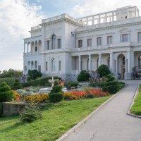 Ливадийский дворец :: Валерий Ткаченко