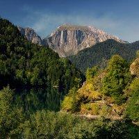 Осень на высокогорном озере. :: Андрей Романов