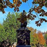 Светлейший князь и золотая осень :: Александр Корчемный