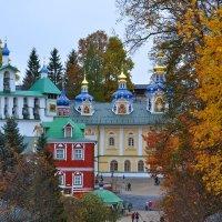 Псково-Печорский монастырь :: Наталья Левина