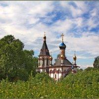 средь буйной зелени :: Дмитрий Анцыферов
