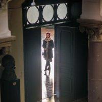 В проеме двери появилась она :: MVMarina