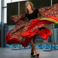 Танец цыганской души :: Кирилл Трескинский