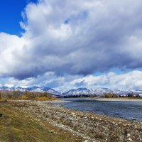 Тучи, горы и река :: Анатолий Иргл