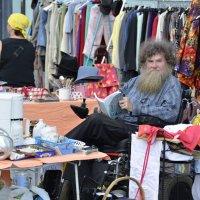 Продавец подержанных вещей :: Николай Танаев