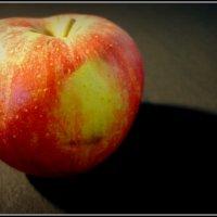 Я яблоко :: oleg voltihaus