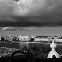 Тучи над городом... :: Марина Павлова