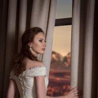 у окна :: Анастасия Митрофанова