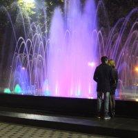 У цветного фонтана :: Наталья Тимошенко