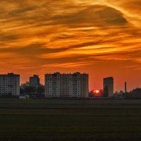 Городской закат :: Ирина Приходько