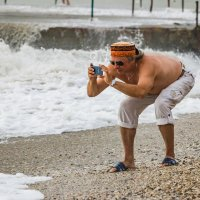 Фотографирующий волны :: Николай Ефремов