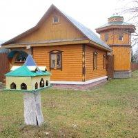 Дом с башней. :: Михаил Попов