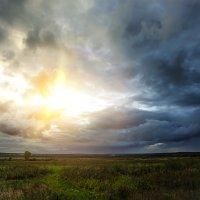 Гроза на закате дня :: Дмитрий Сдобин