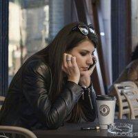 За столиком кафе... :: Vlad Moscow