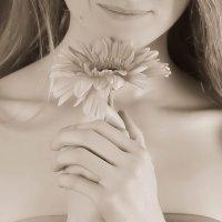 Нежный цветочек :: Катя Шерабурко