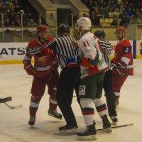 Хоккейные страсти :: Владимир Максимов
