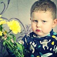 Самый главный вклад в воспитание ребенка - правильно выбранный папа... :: Наталья Александрова