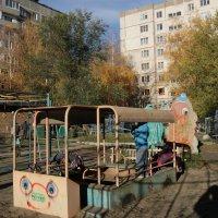 Детская площадка на АБ :: Олег Афанасьевич Сергеев