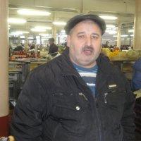Продавец на рынке :: Лебедев Виктор