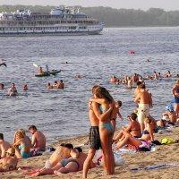 Пляж летом :: Александр Алексеев