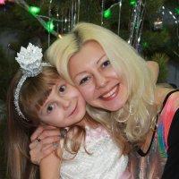 мамочка с дочечкой :: Татьяна Шелковская