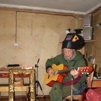 Сварщик играющий классику :: Евгений Усатов