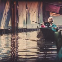 The woman with the paddle. :: Илья В.