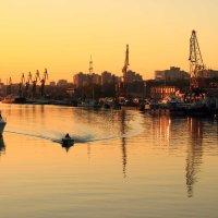 Вечерний вид на ростовский порт :: Леонид