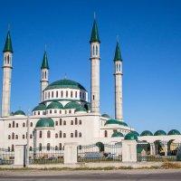 Соборная мечеть в Черкесске... :: Юлия Бабитко