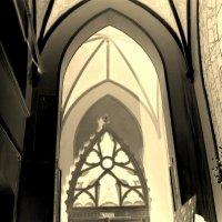 Фрагмент готического интерьера. :: Денис Бугров