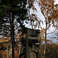 памятник :: Александр Корчемный