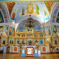 В храме Св. Екатерины (Феодосия) :: Лариса Савченко