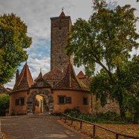 Крепостные ворота с башней Бургтор :: Надежда Лаптева