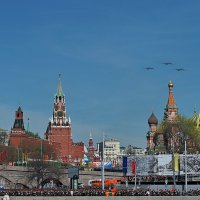 Бомбардировщики над Кремлем :: Дмитрий Бубер