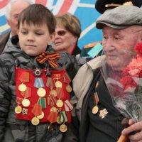 Вместе с дедом. :: Игорь Хорьков