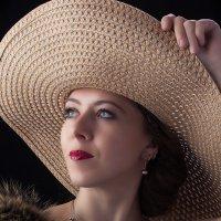 Дама в шляпе :: Владимир Тихонов