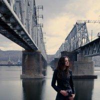 у моста :: Наталья Катцина