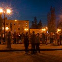 Праздничный вечер на площади посёлка :: Анастасия Богатова