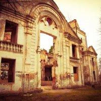 разрушенная церковь Николая Чудотворца :: Ольга Шульгина