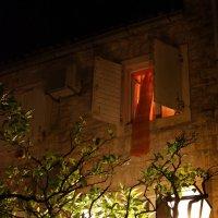 ...окно в красном...) :: Дмитрий Цымбалист