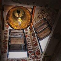 о ком звонит колокол в заброшенной кирхе... :: Ирэна Мазакина
