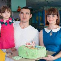 вот и пролетело три счастливых года! )) конечно же ещё вся жизнь впереди...) :: Райская птица Бородина