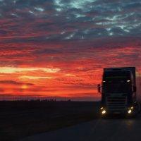 До дома ещё 200 км... (2) :: Андрей Lyz