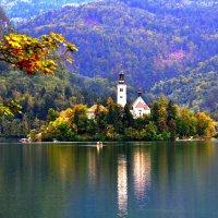 Монастырь на острове озера Блед :: Евгений Дубинский