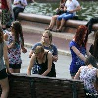 девочки на каникул-ах :: Олег Лукьянов