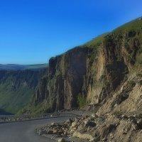 Спуск ко дну каньона :: M Marikfoto