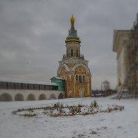 Торжок. Церковь в монастыре. :: Анатолий Корнейчук
