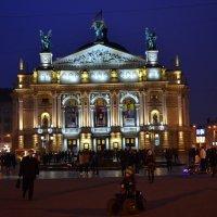 Львовский оперный :: пан Шмулинсон