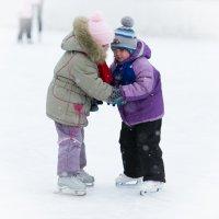 Первые шаги на льду... :: Sergey Apinis